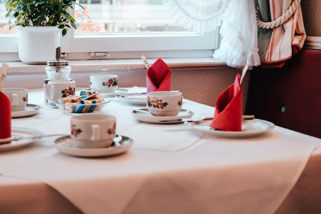 Ulm visiter en 2 jours hôtel Am rathaus table déjeuner Refuse to hibernate