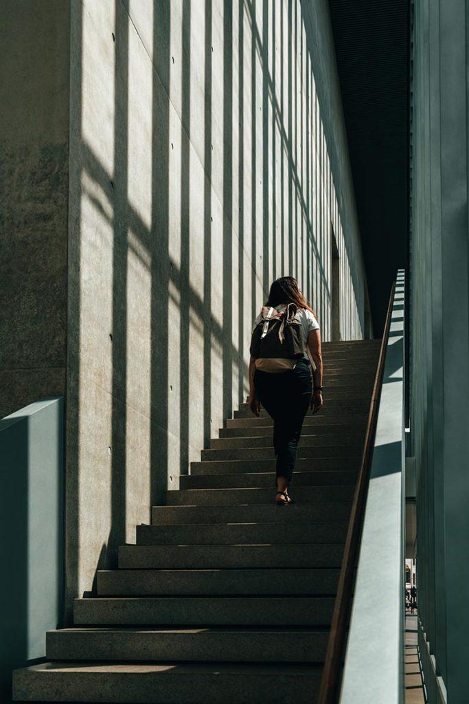 Ulm visiter en 2 jours musée Kunsthalle Weishaupt escalier Audrey Refuse to hibernate
