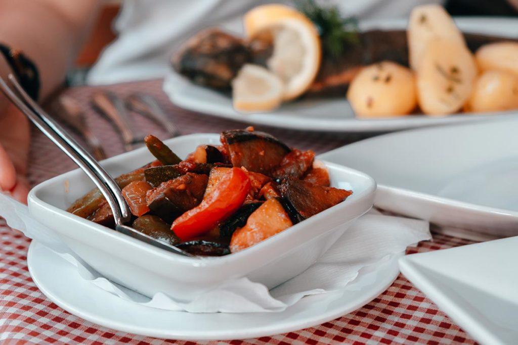 Ulm visiter en 2 jours restaurant Zur Forelle légumes Refuse to hibernate