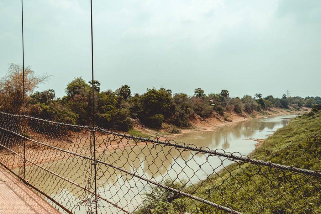 Battambang visiter pont suspendu Refuse to hibernate