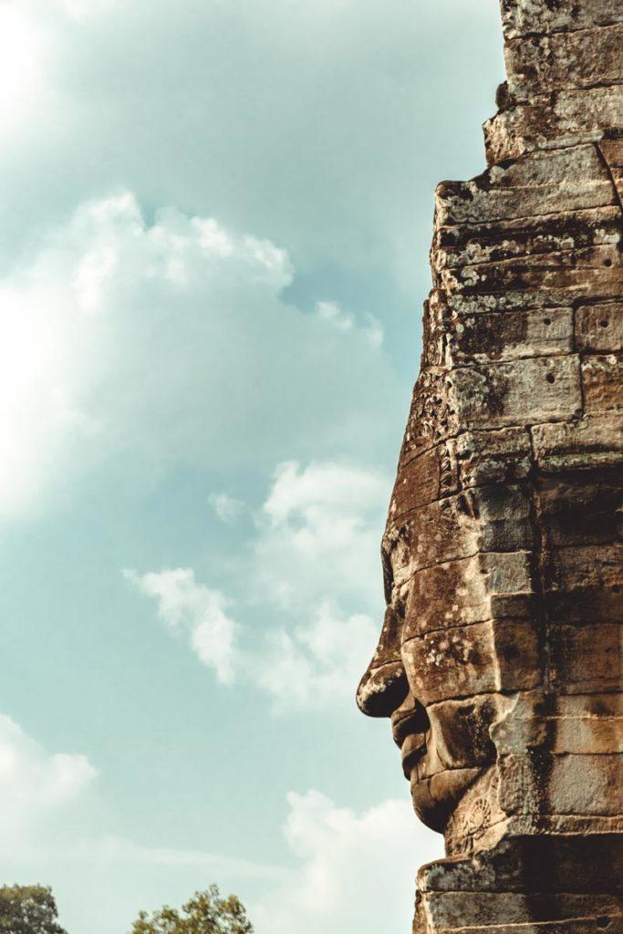 Bayon temples d'Angkor visage de profil Refuse to hibernate