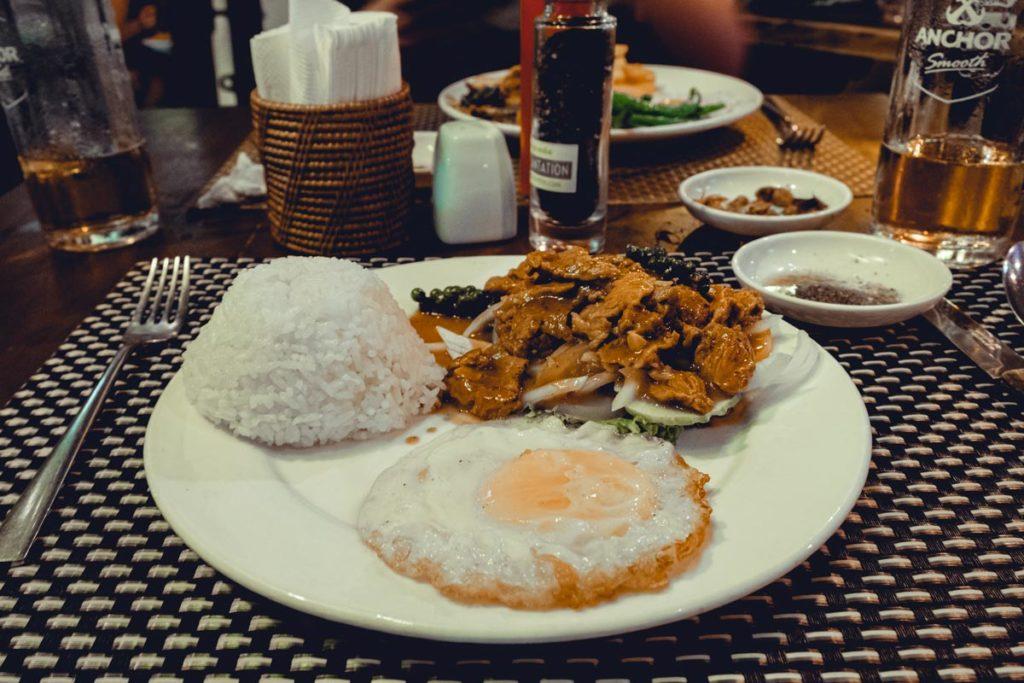 Khmer grill coffee & bakery lok lak Siem Reap Refuse to hibernate