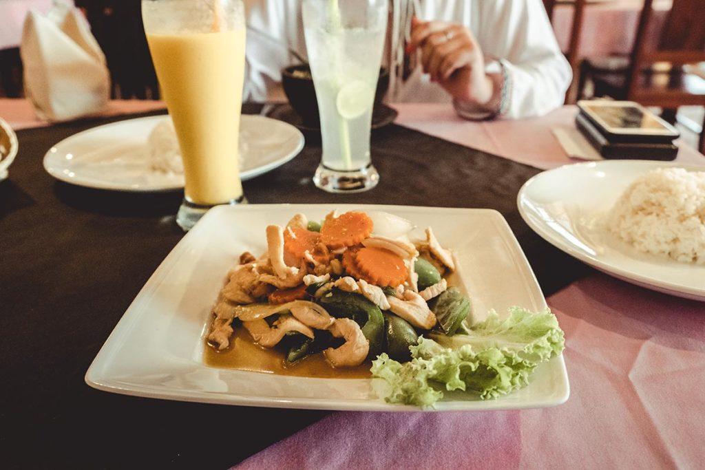 Kolab Angkor restaurant plat Refuse to hibernate