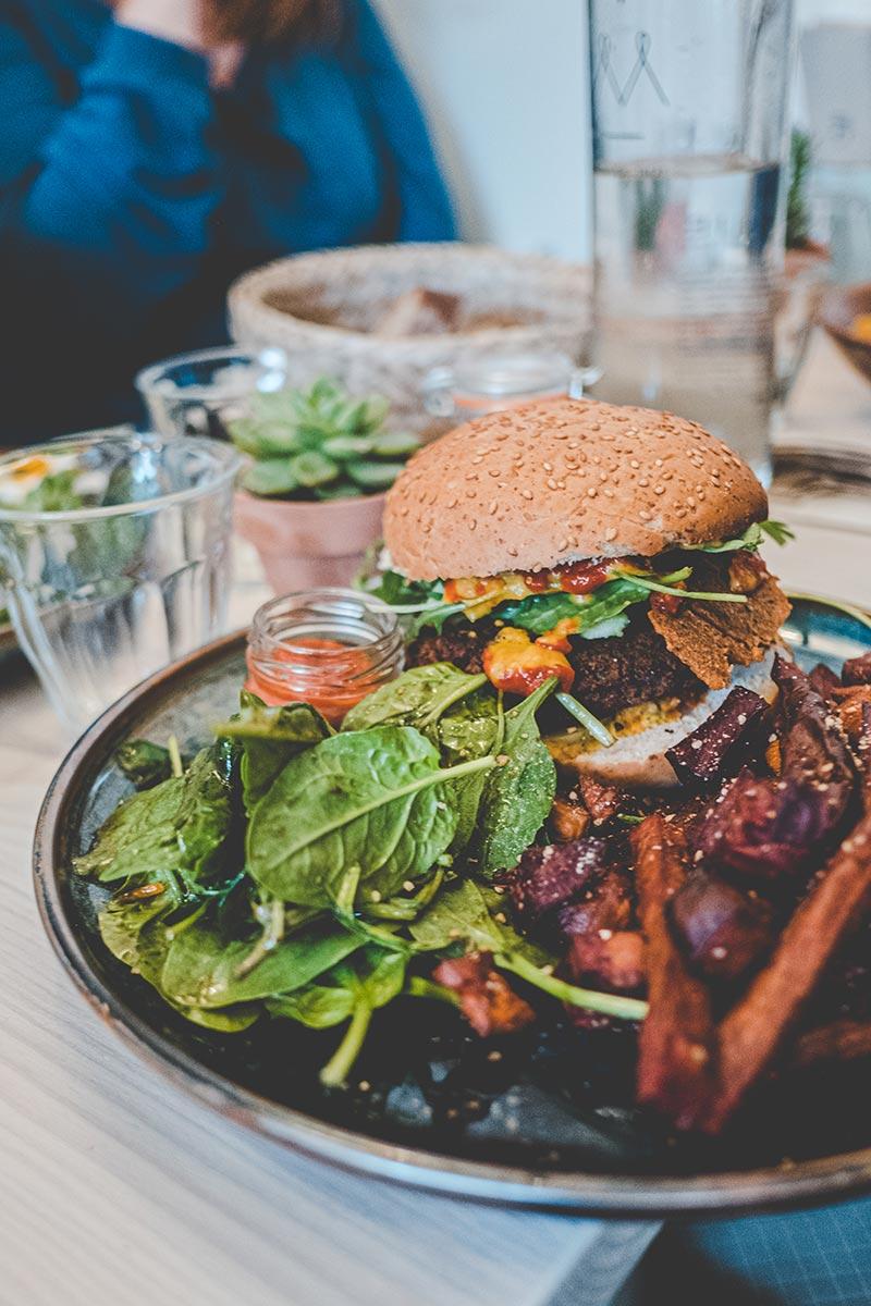 Maison Nomade brunch burger végétarien Refuse to hibernate