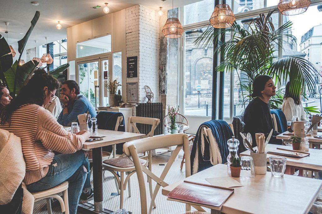 Maison Nomade salle restaurant Refuse to hibernate