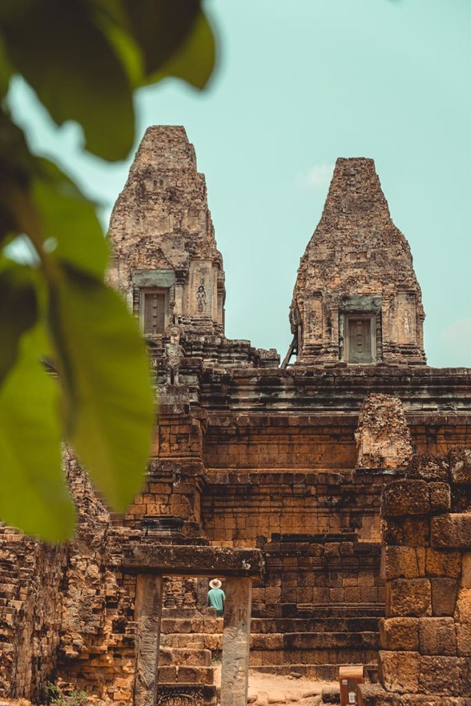 Prè Rup temples d'Angkor homme au chapeau Refuse to hibernate