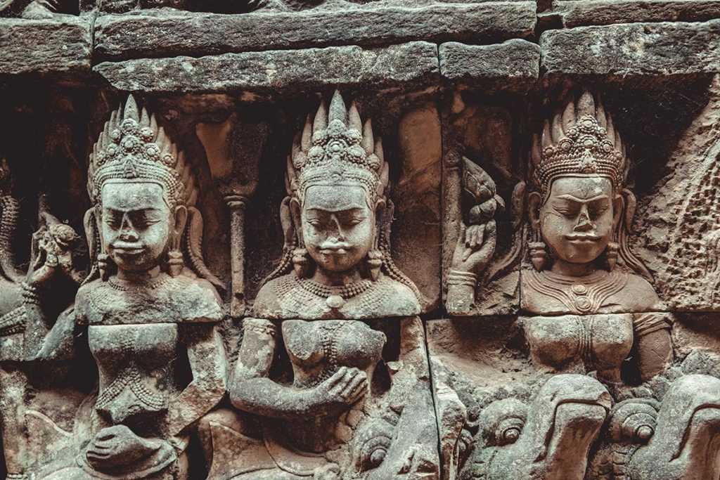 Terrasse des éléphants temples d'Angkor focus Refuse to hibernate
