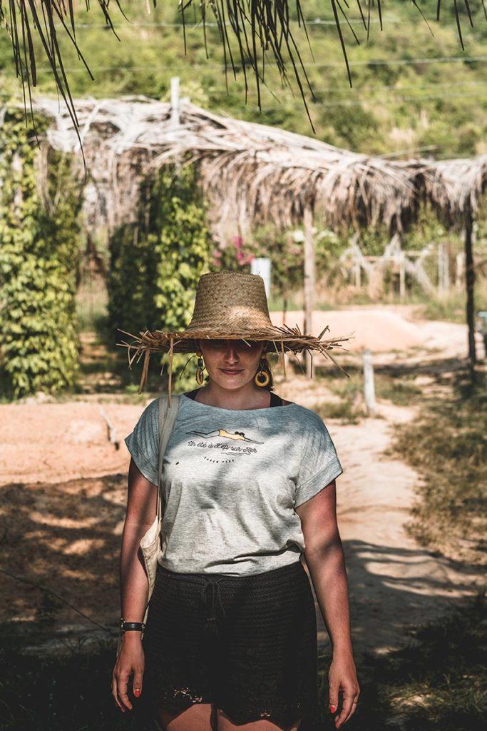Audrey dans la plantation de poivre de Kampot Refuse to hibernate