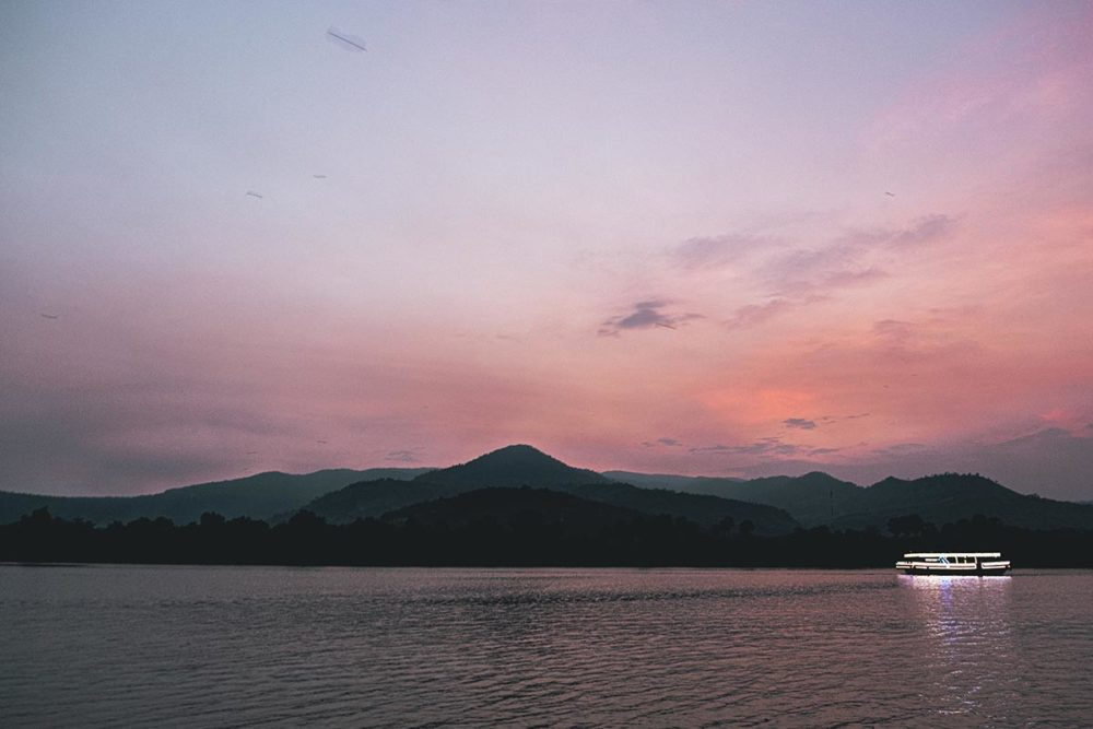 ciel rose bateau Kampot Refuse to hibernate