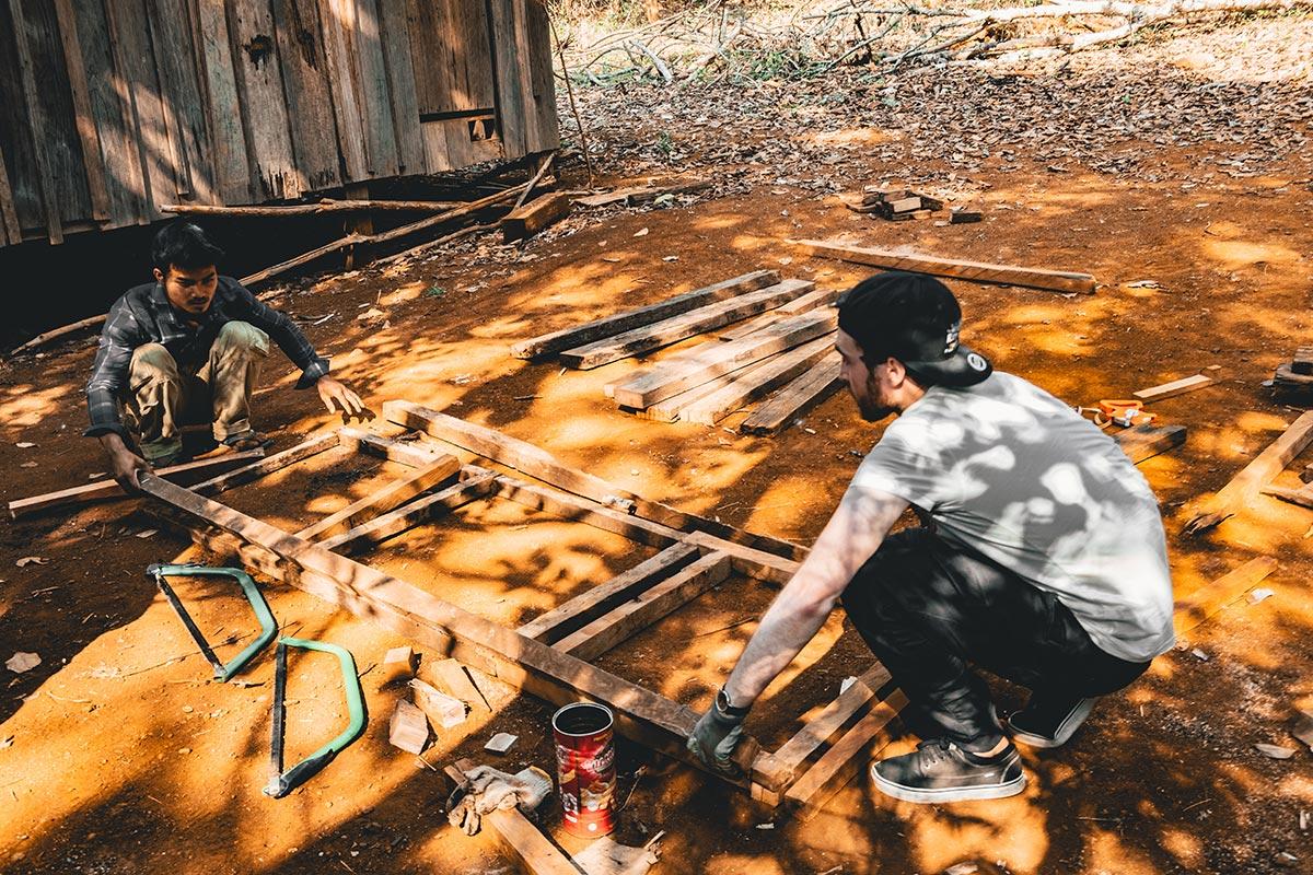construction structure de la poubelle Mondulkiri Refuse to hibernate