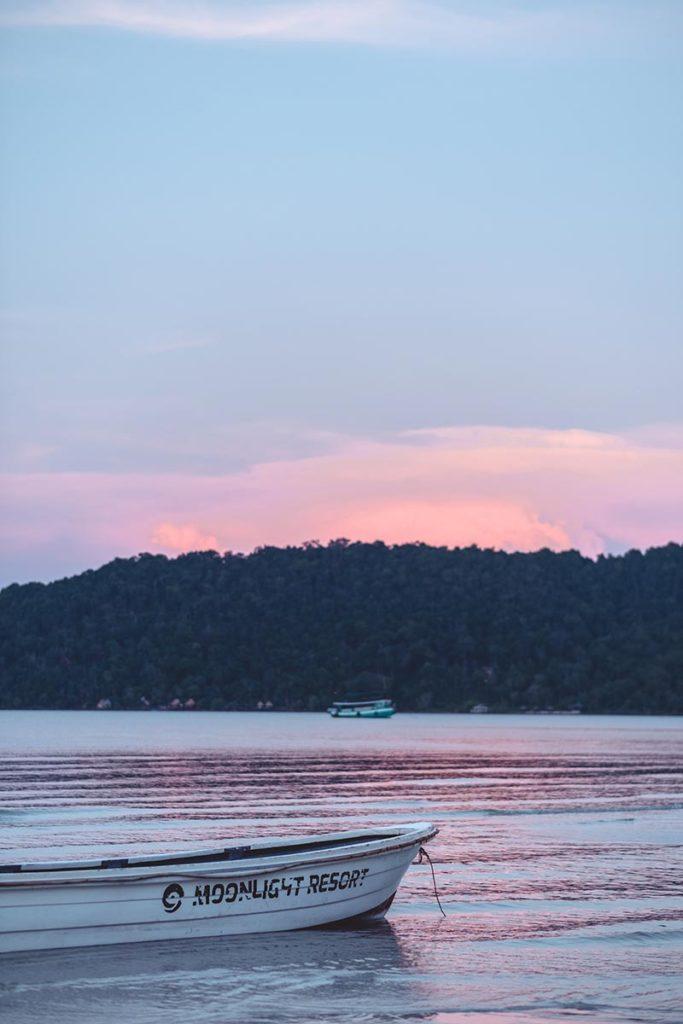 coucher de soleil sur la plage Koh Rong Samloem Refuse to hibernate