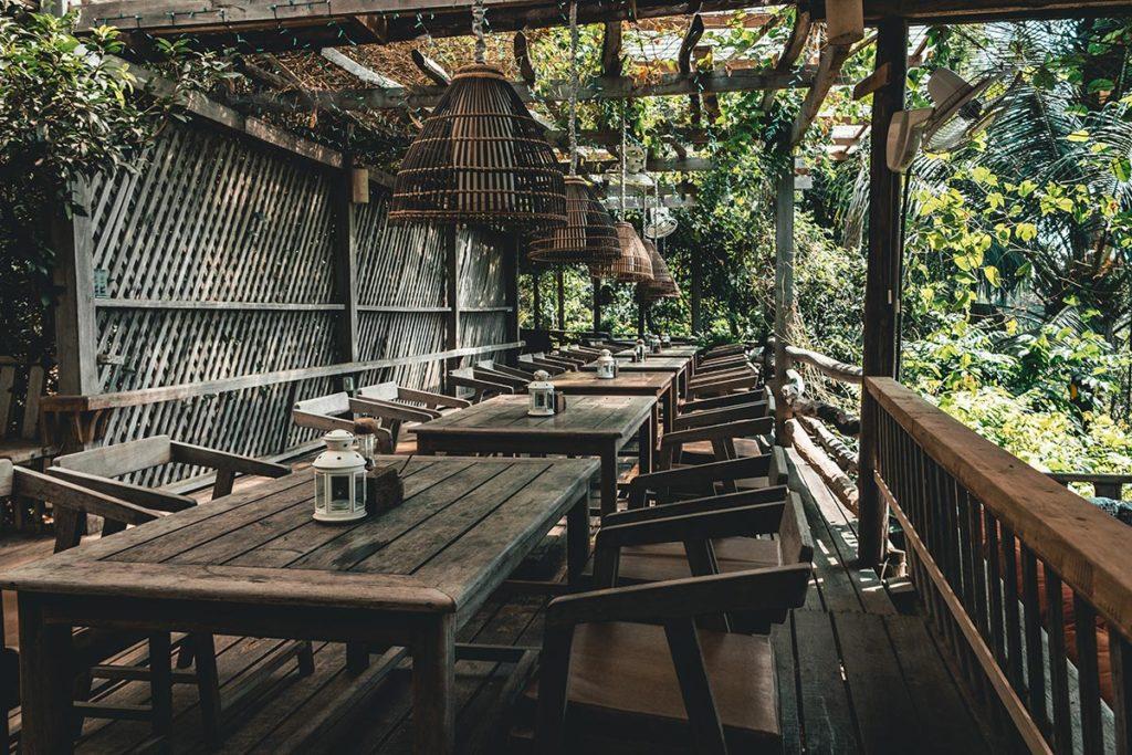 Veranda Natural Resort terrasse pour manger Kep Refuse to hibernate