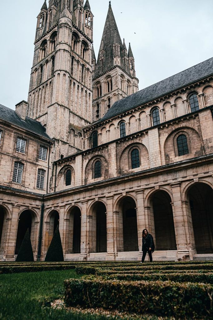 Abbaye aux hommes cour intérieure Audrey Caen Refuse to hibernate