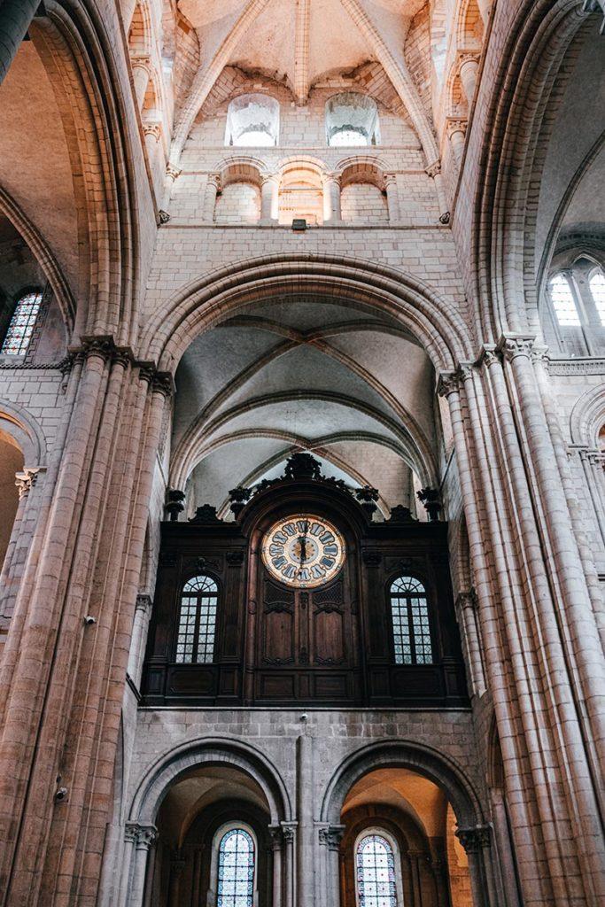 Abbaye aux hommes horloge Caen Refuse to hibernate