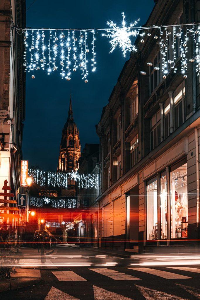 centre-ville de Bayeux décorations de Noël Refuse to hibernate
