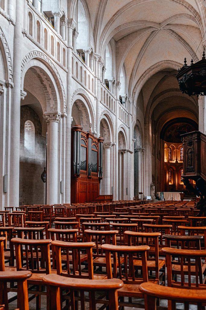Intérieur Abbaye aux dames Caen Refuse to hibernate