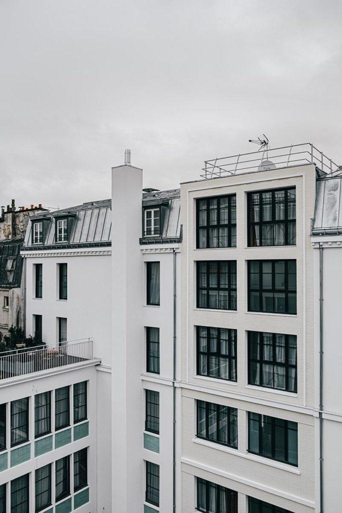 le Grand Quartier vu depuis la terrasse Refuse to hibernate