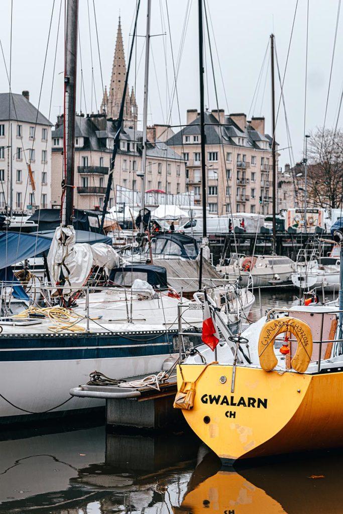 port de Caen vue sur la ville Refuse to hibernate