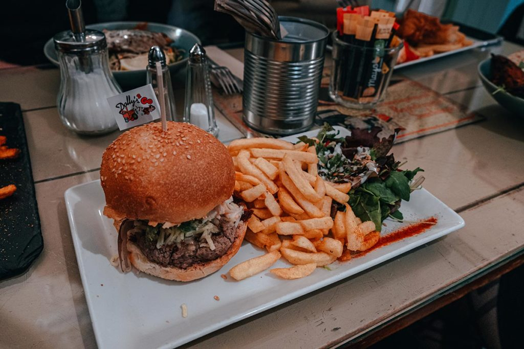 restaurant Dolly's burger deluxe Caen Refuse to hibernate