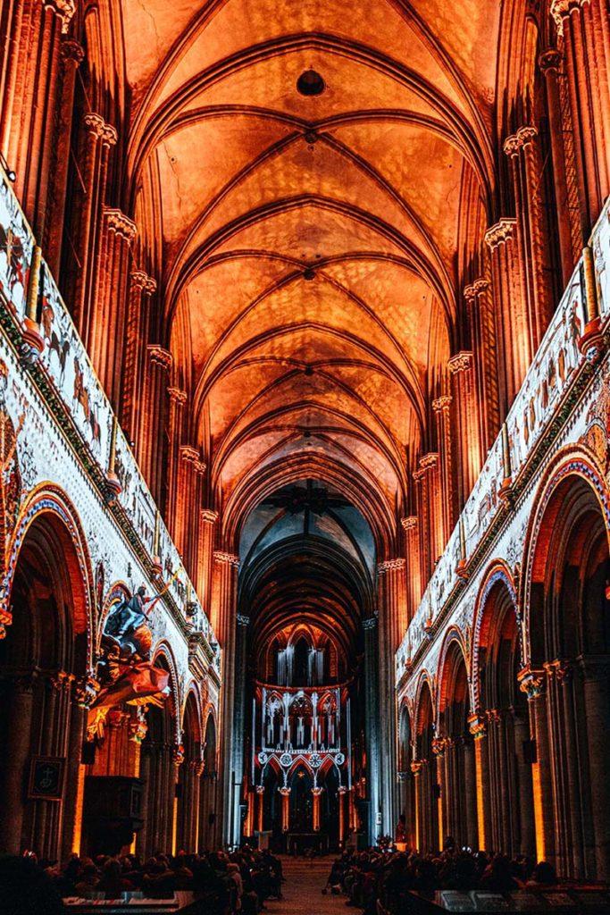 Spectacle la cathédrale de Guillaume le Conquérant Bayeux Refuse to hibernate