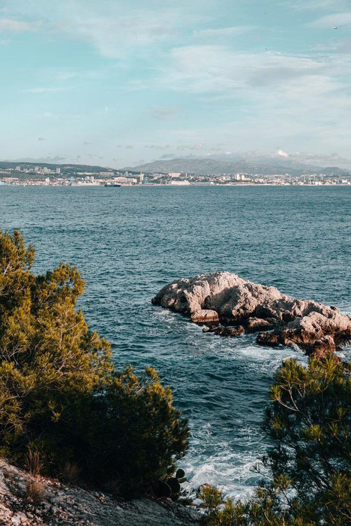 Calanque de Niolon Marseille Refuse to hibernate