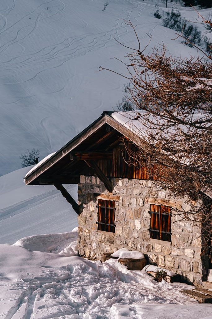 chalet enneigé Rock d'Enfer Alpes du Léman Refuse to hibernate