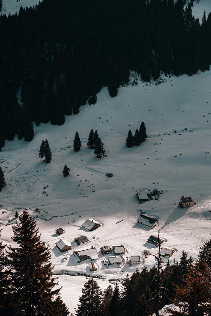 chalets vu depuis Rock d'Enfer Alpes du Léman Refuse to hibernate