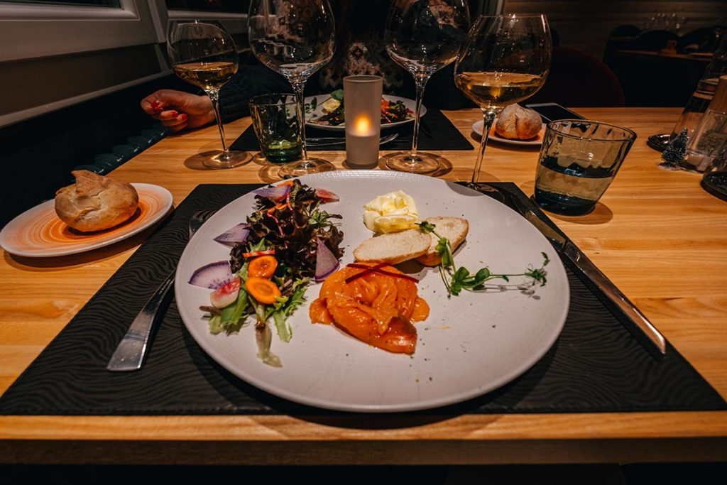 Hôtel de l'Abbaye restaurant saumon fumé Jura Refuse to hibernate