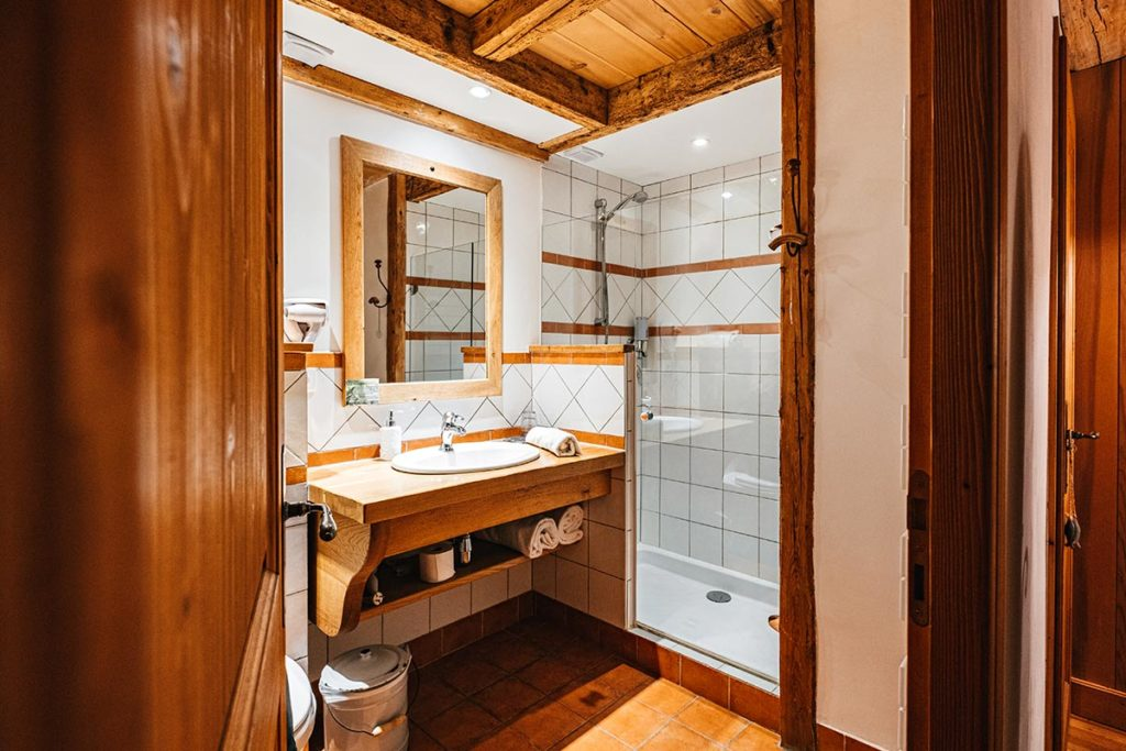 Hôtel du Moulin de Léré salle de bain Alpes du Léman Refuse to hibernate
