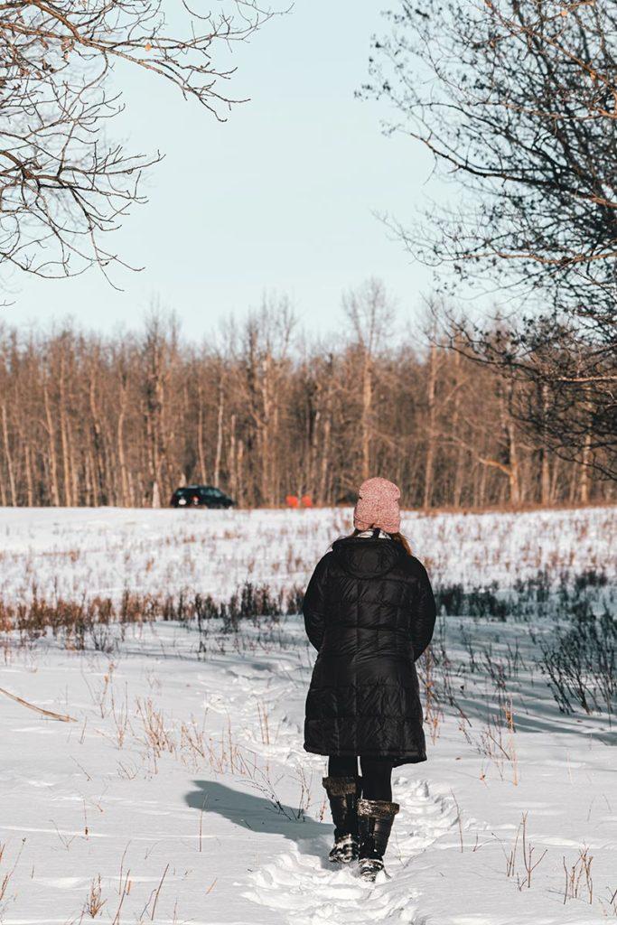 Elk Island national park Audrey marchant dans la neige Edmonton Refuse to hibernate