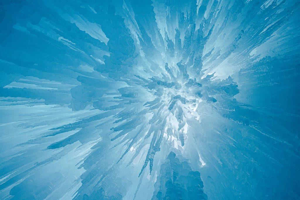 ice castles pics de glace bleus Edmonton Refuse to hibernate