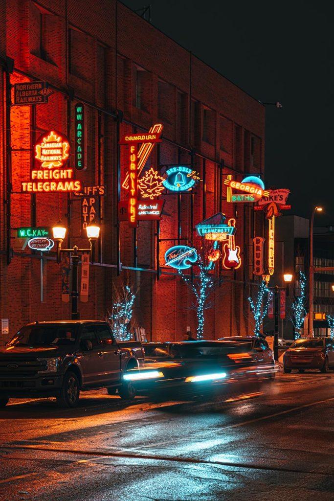 neon museum pause longue Edmonton Refuse to hibernate
