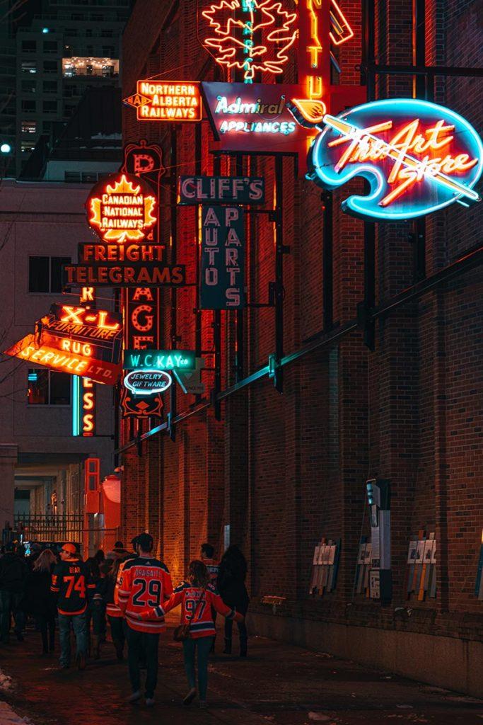 neon museum sortie de match Edmonton Refuse to hibernate