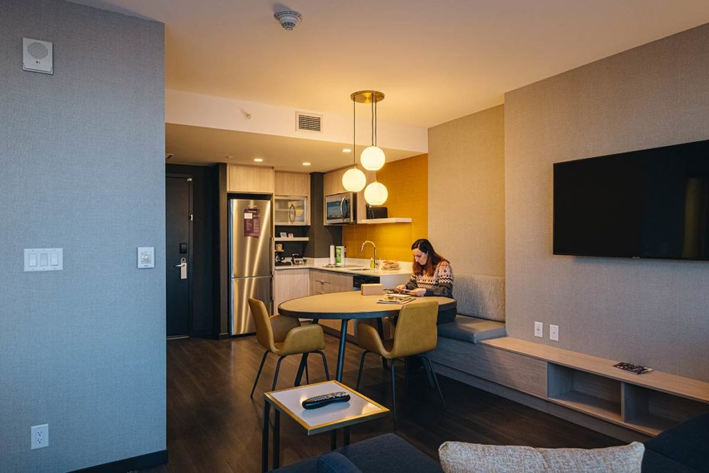cuisine salon Residence Inn by Marriott Calgary Refuse to hibernate