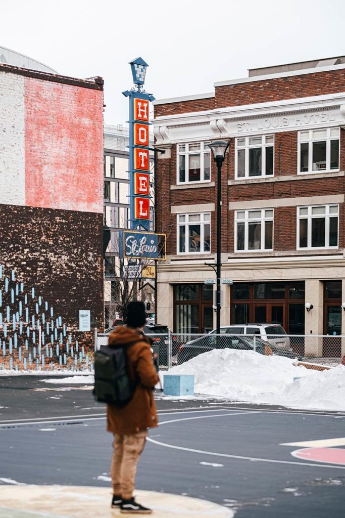 East Village hôtel Saint Louis Mickaël Calgary Refuse to hibernate