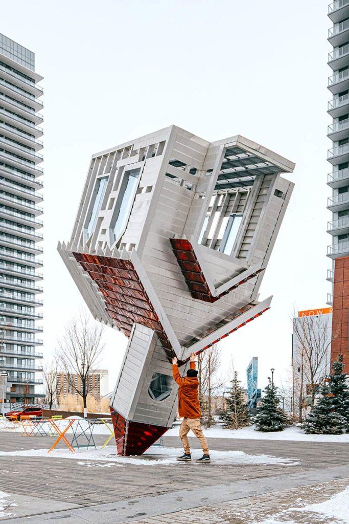 East Village maison à l'envers Calgary Refuse to hibernate