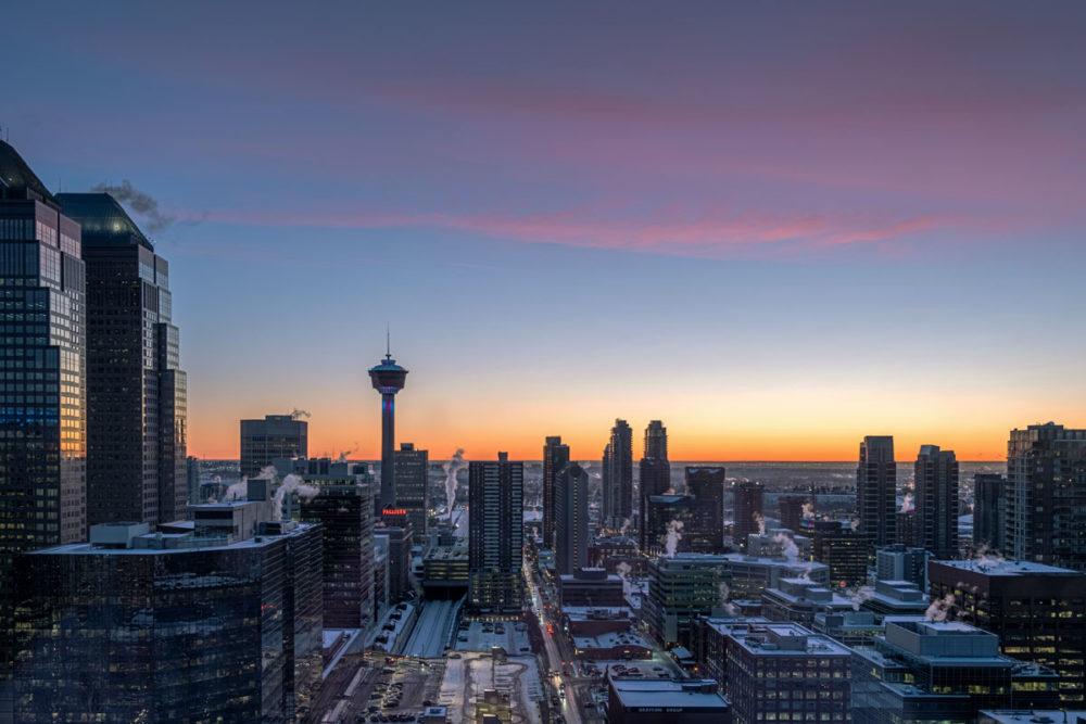 vue sur la ville de Calgary lever de soleil Refuse to hibernate