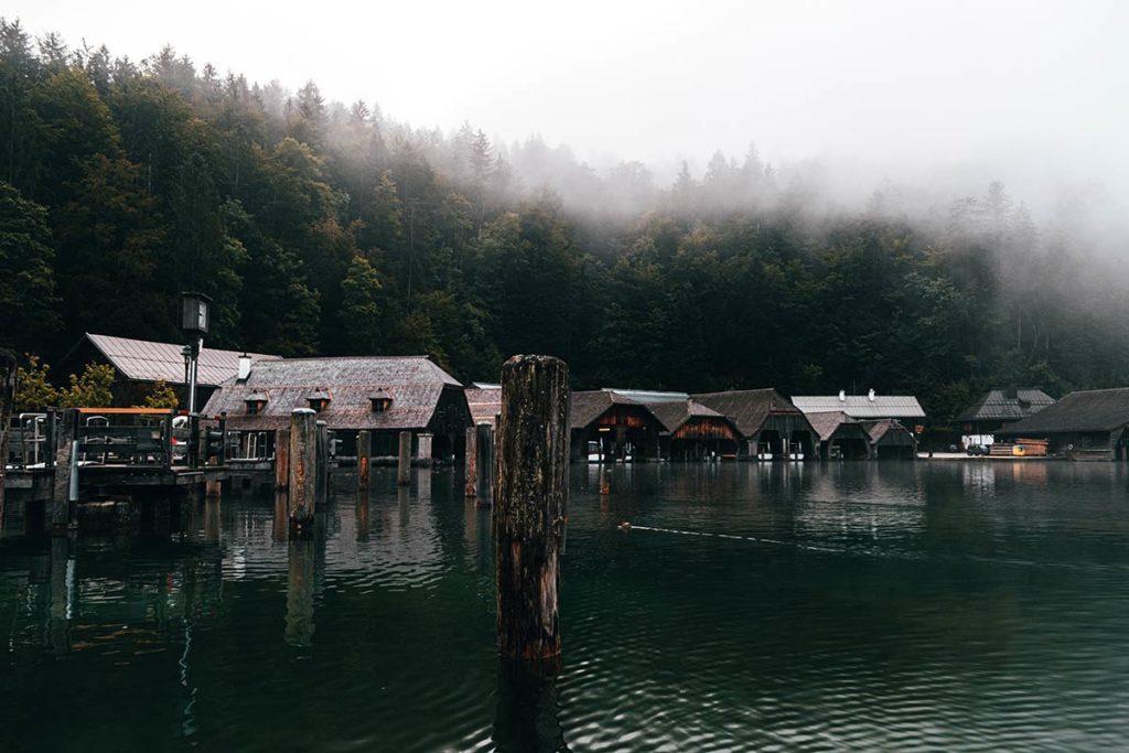 abris navettes Lac Königssee Bavière Refuse to hibernate