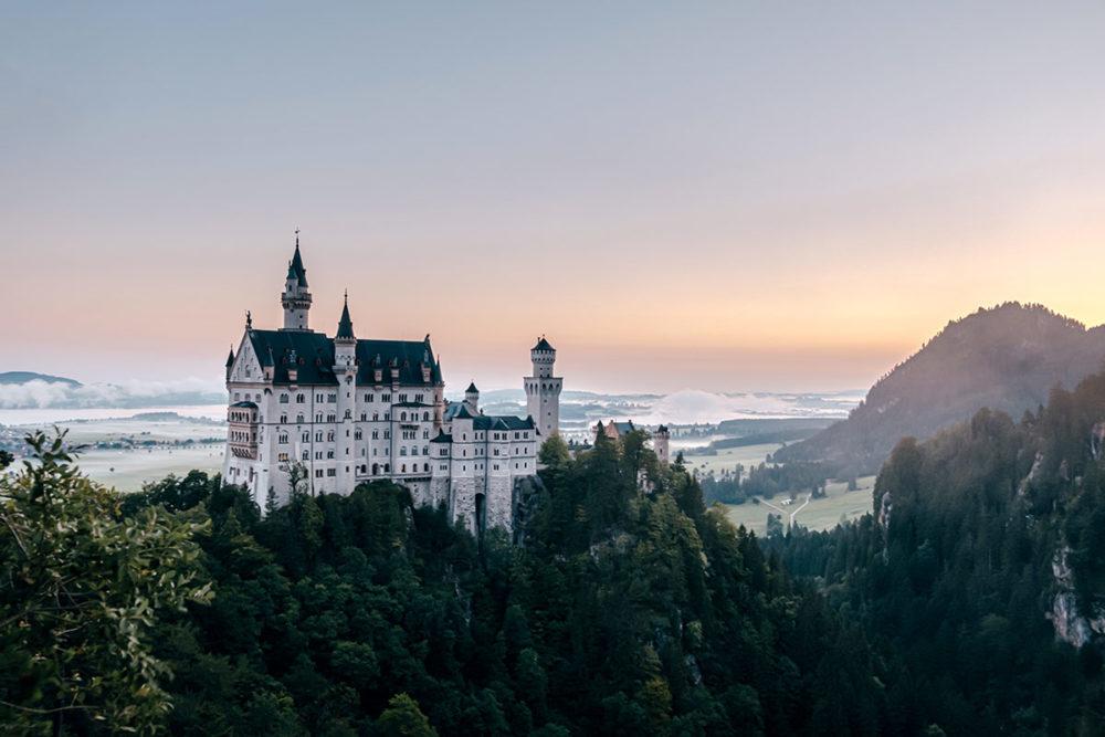 Château Neuschwanstein lever de soleil Bavière Refuse to hibernate